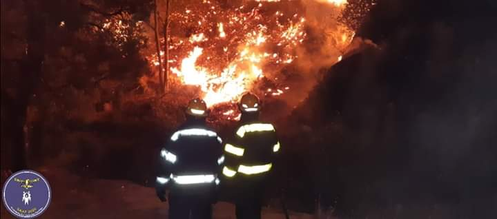 South African Air Force Renders Support  At Table Mountain Fires