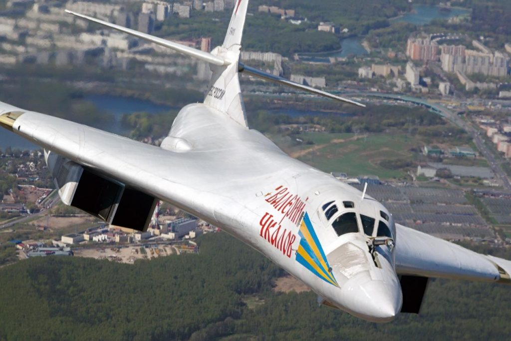 Two Russian TU-160 Bombers to land on South African Soil for the first time